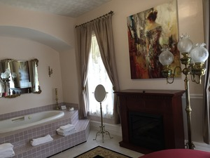 East Lake Suite Photo 10